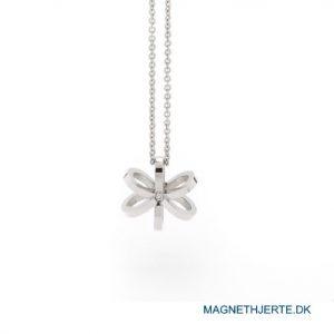 Elegant smykkegave formet som en blomst fra Magnethjerte