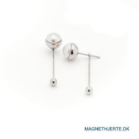 Perleørestikkere fra Magnethjerte fortryller med deres todelte design.